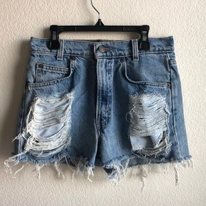 Levi's 560 Loose Fit Destroyed Denim Shorts W28